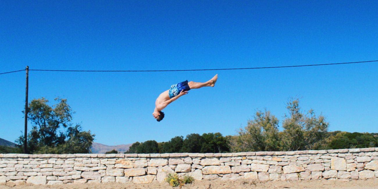 Patrick Peter Freerunning Athlet Backflip Griechenland